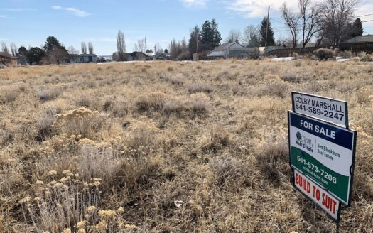 photo for a land for sale listing for Tennyson Avenue Buildable Lots - Hines